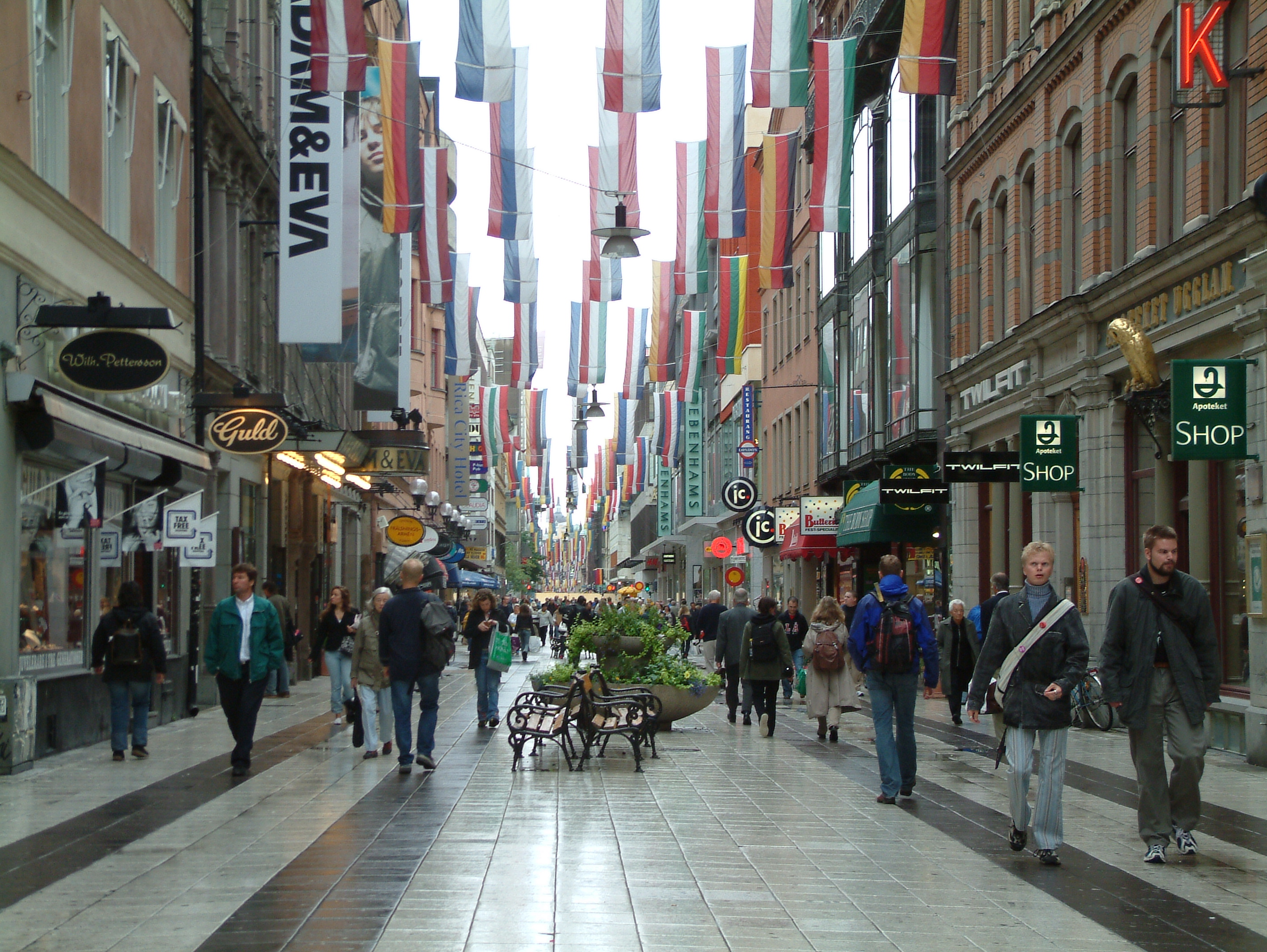 shopping districts and streets